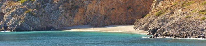 Yoga op Kythira - strand Sparagario