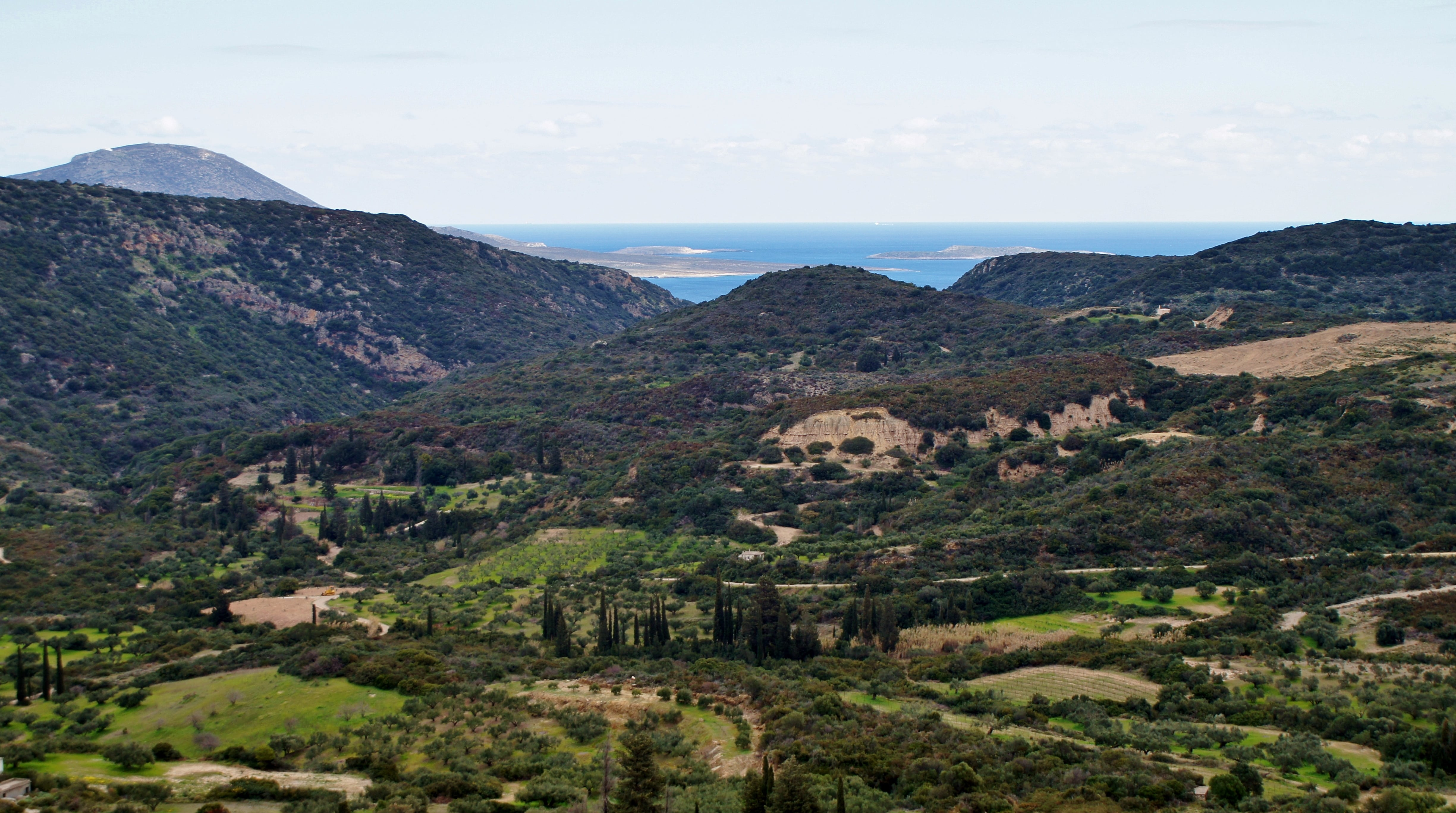 valley-min