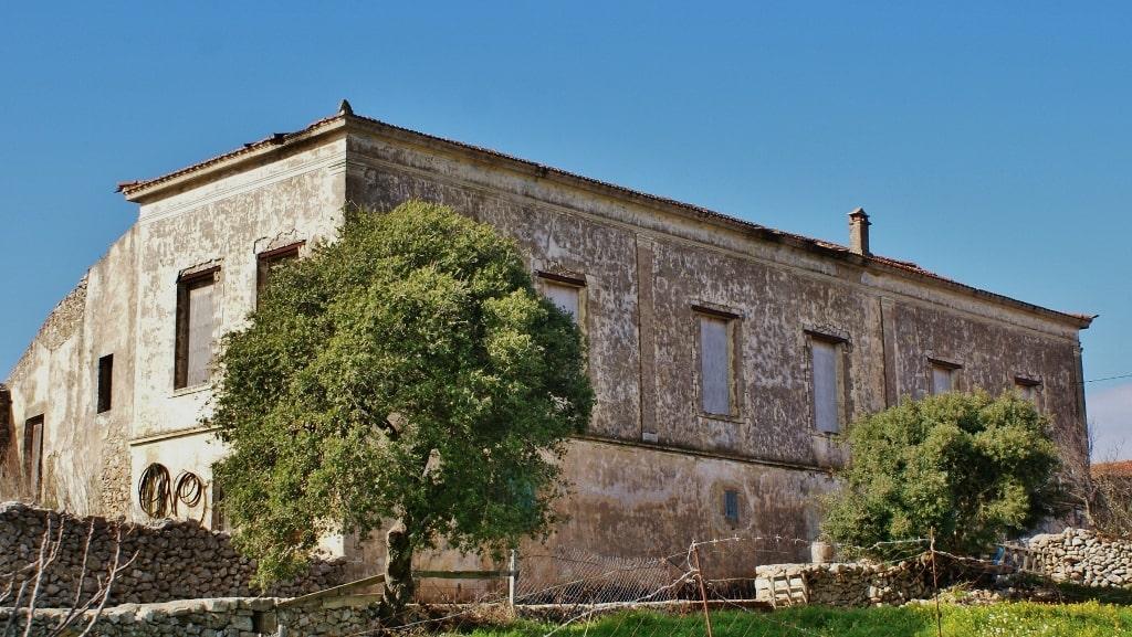 Architecture of Kythira by Xenonas Fos ke Choros (10)