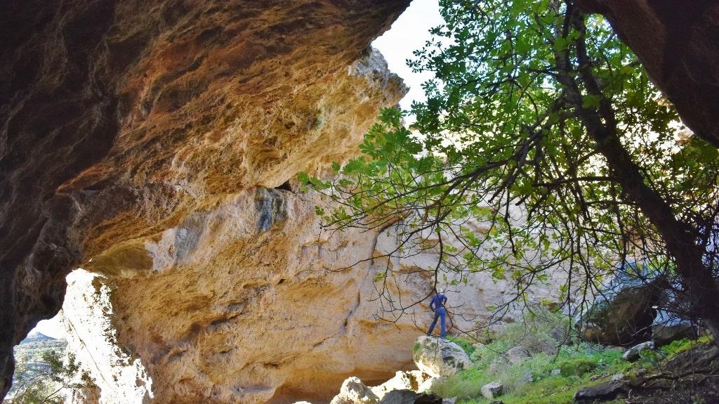 Caves on Kythera by Xenonas Fos ke Choros (4)