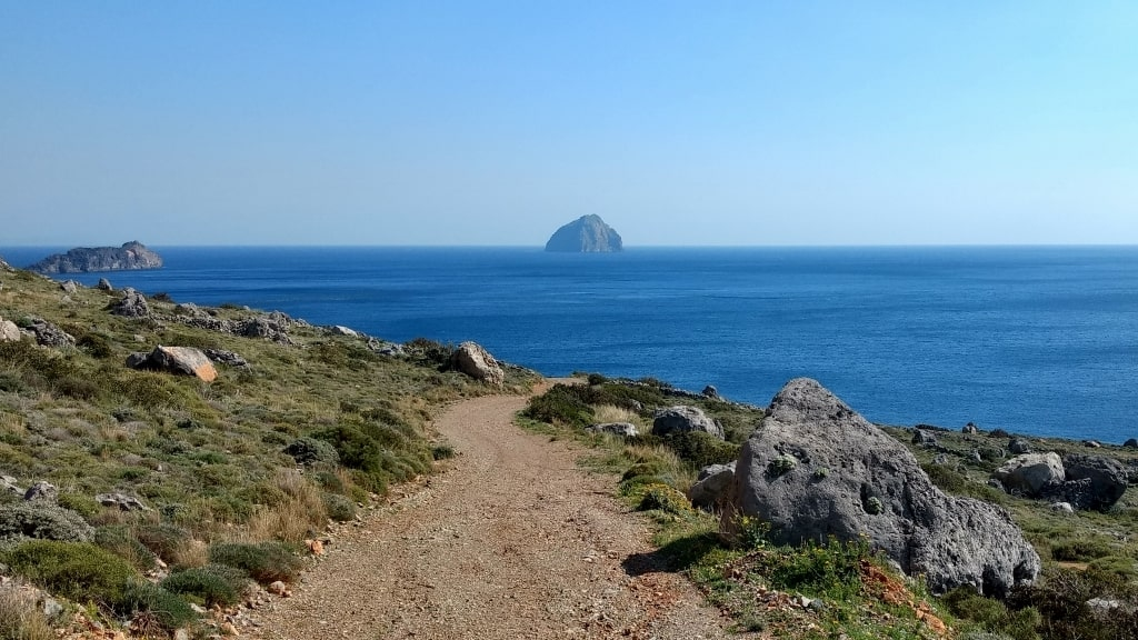 Chytra island by Xenonas Fos ke Choros (2)