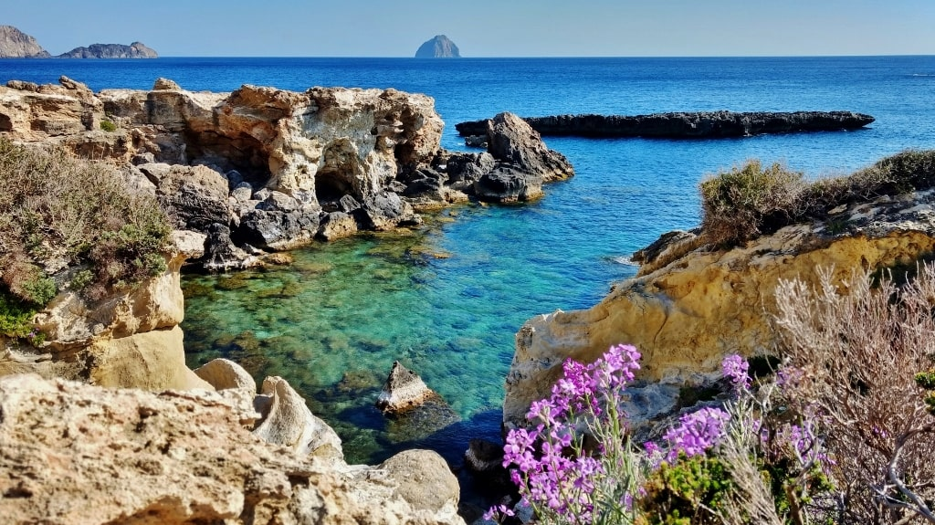 Chytra island by Xenonas Fos ke Choros (3)