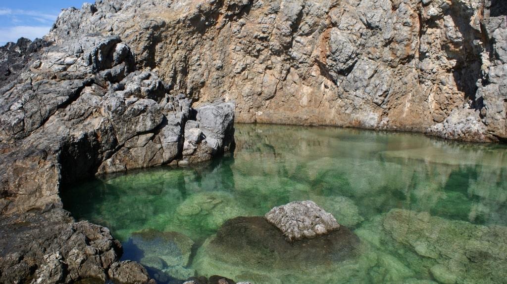 Magic green pool on Kythera by Xenonas Fos ke Choros (3)
