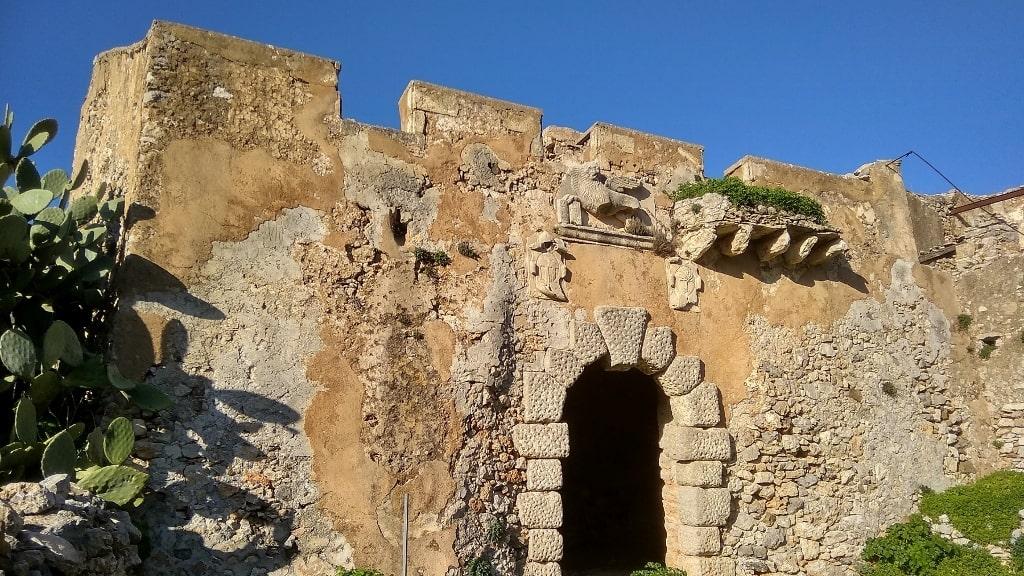 Mylopotamos on Kythera by Xenonas Fos ke Choros (5)
