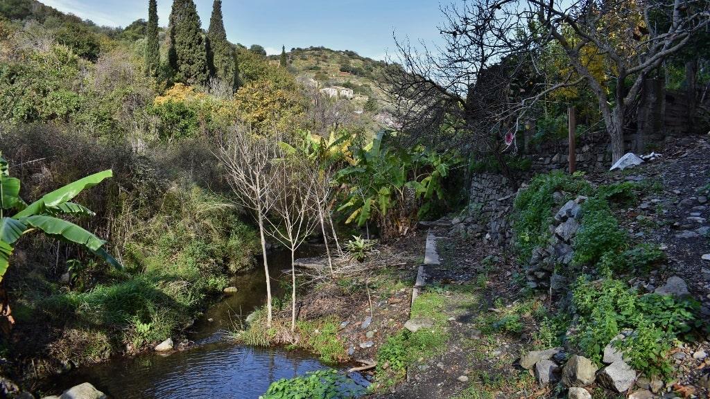 Springs of Karavas on Kythera by Xenonas Fos ke Choros (4)