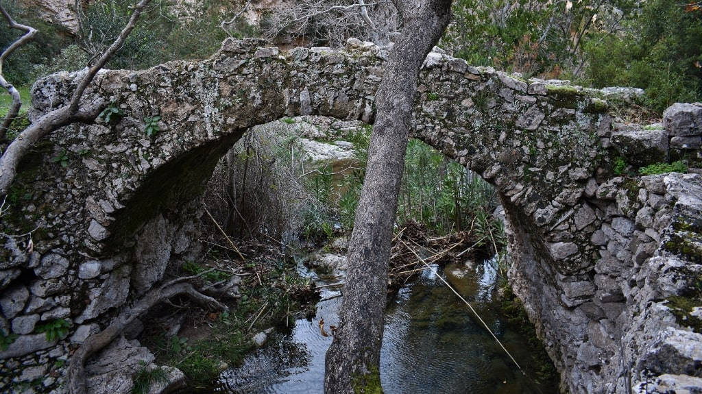 Valley with the watermills by Xenonas Fos ke Choros (14)