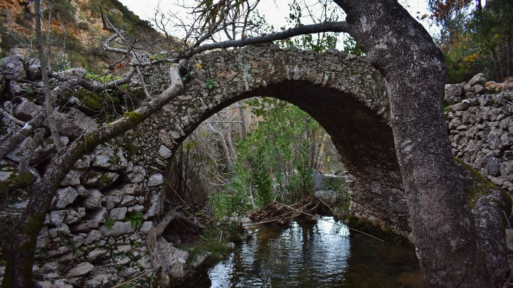 Valley with the watermills by Xenonas Fos ke Choros (15)