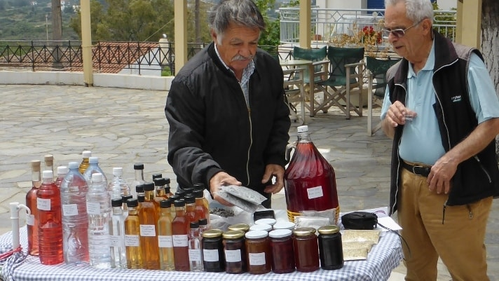Local products of Kythera by Xenonas Fos ke Choros 2