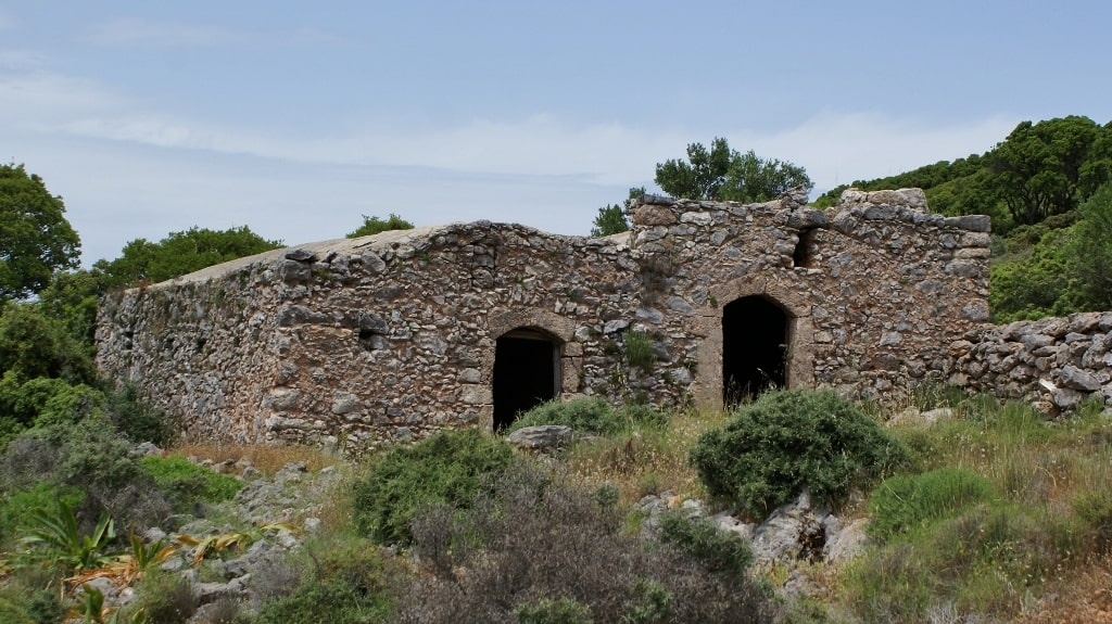 Architecture of Kythira by Xenonas Fos ke Choros (1)