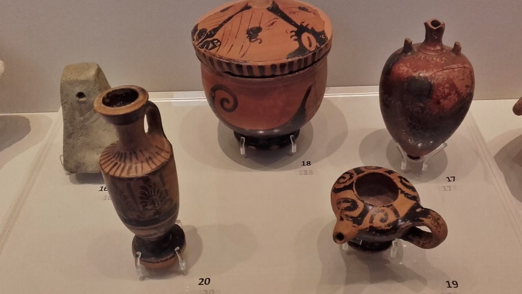 Museums of Kythera by Xenonas Fos ke Choros (4)
